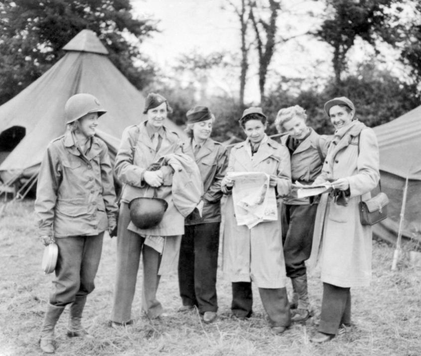 Female_war_correspondents_World_War_II