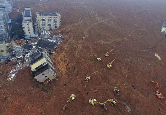 4835621_6_a013_la-catastrophe-a-provoque-une-explosion-de-gaz_b5bf290780a1b11670789719c881c580