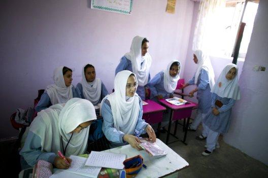 Des filles à l'école à Kaboul