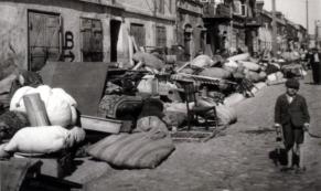 Les biens des juifs sortis de leurs maisons