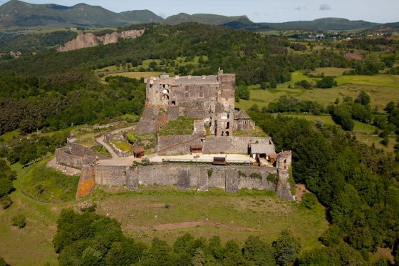 chateau-de-murol-63_c