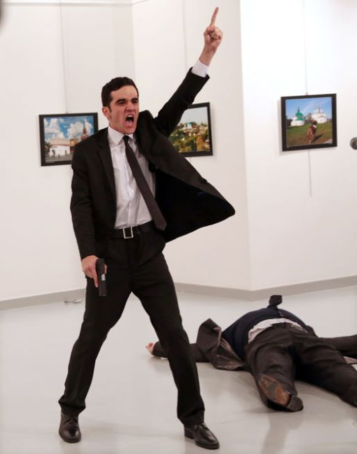 Burhan Ozbilici / AP / World Press Photo