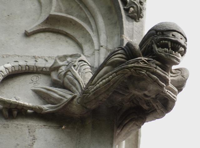 chapelle-de-bethleem-gargoyles-01