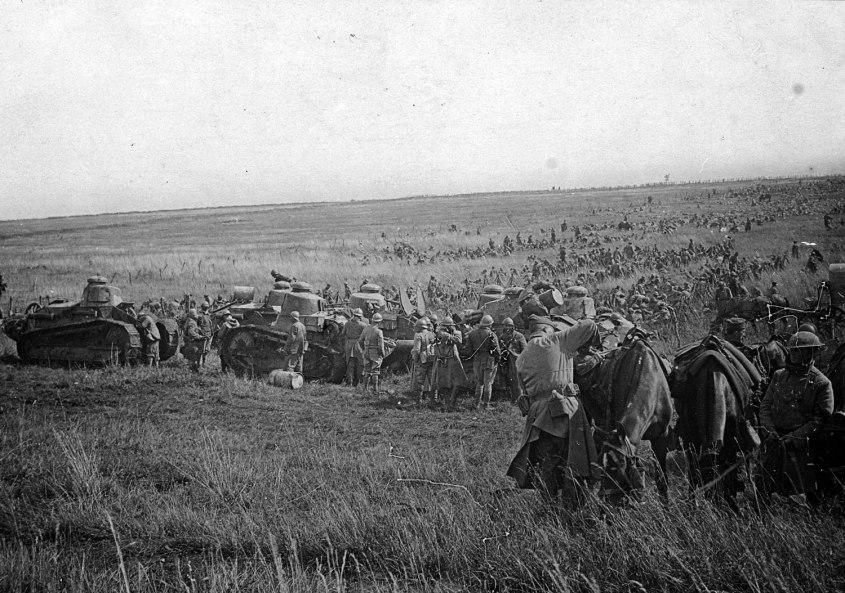 Troupes-americaines-et-francaises-vers-Regni_sept1918_Coll-BDIC