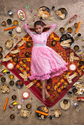 gregg-segal-photographie-les-enfants-du-monde-et-leurs-habitudes-alimentaires2