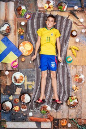 gregg-segal-photographie-les-enfants-du-monde-et-leurs-habitudes-alimentaires3